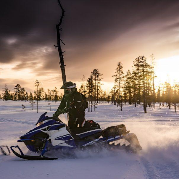 Snowmobile-tours-and-safari-in-Ivalo-Inari